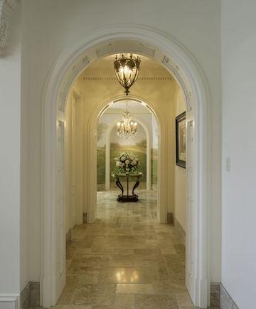 Main hall to vestibule